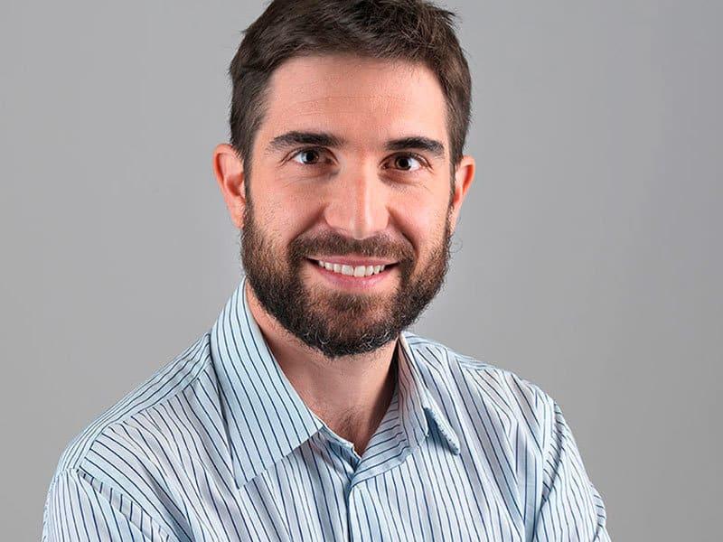 Fisioterapeuta, especializado en osteopatía y gimnasia abdominal hipopresiva Atlaxis centro de fisioterapia y osteopatia